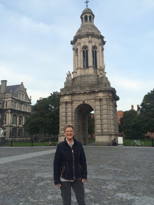 mom in front of trinity college
